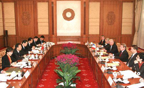 杨洁篪:中方愿同欧盟共同努力使中欧关系更融合