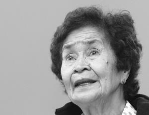 作证的菲律宾78岁老妇梅南