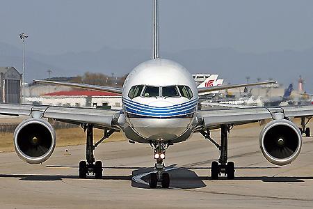 厦门航空公司增加运力确保2007年春运安全
