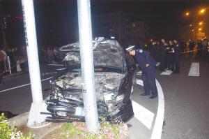 司机连撞5人弃车逃逸该车可能是套牌车(图)