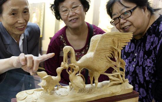 浙江根雕 木雕 竹雕精品在北京展出 2