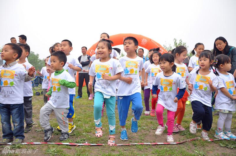 目,不同于传统跑步项目对场地以及竞赛形式的要求,儿童健康跑是