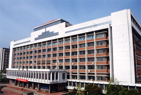 浙江大学图书馆是我国历史最悠久的大学图书馆之一,其前身为建于