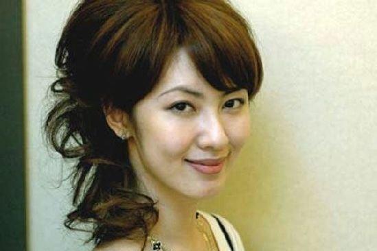 """""""北大校花""""袁佳怡網絡走紅 性感私密照曝光(組圖)"""