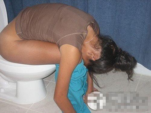组图:美女学生醉酒的恐怖下场