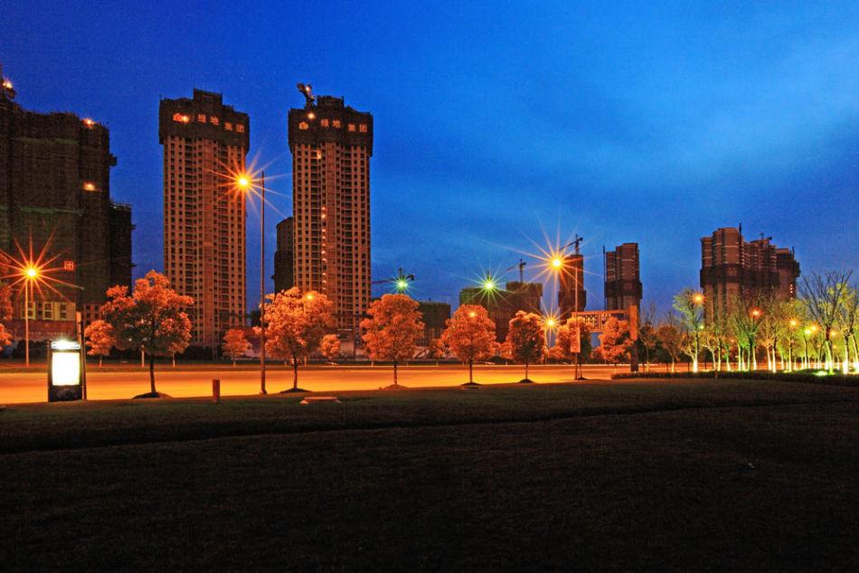 花桥国际商务城地处苏沪交界处昆山市花桥镇,西邻昆山国家级开发