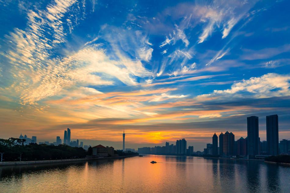 从来就是摄影里最好玩的元素.回顾2015,广州经历了太多大事.发图片