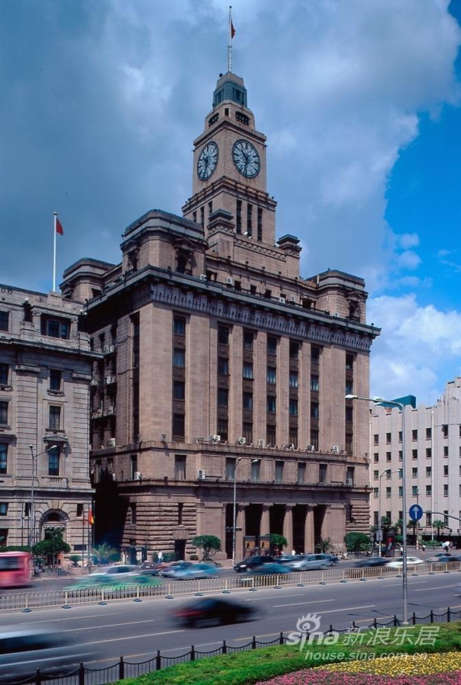 十层楼高,是仿英国伦敦国会大厦的大钟制造.-外滩万国建筑博览群