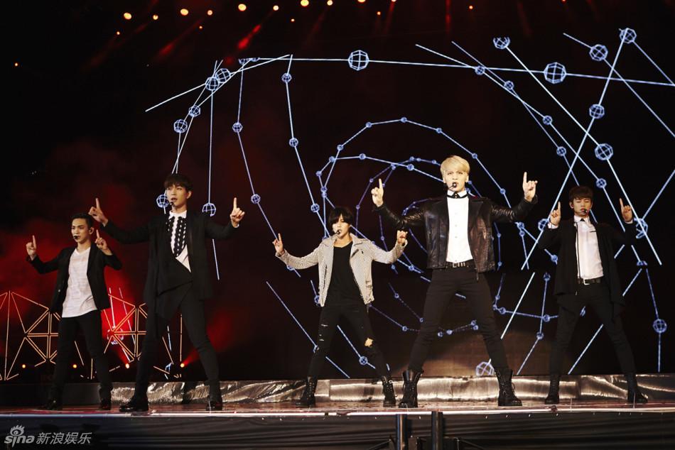 MTOWN家族演唱会在上海举行,SM公司旗下歌手KangTa、BoA、