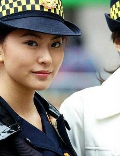 点十个国家的美女警察