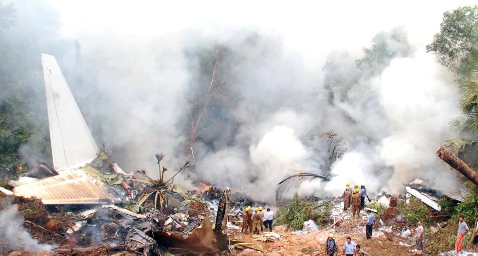 5月22日,印度航空公司一架波音737飞机当日早上在印度南部降落时失事