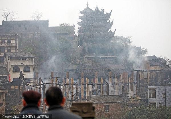 口是全国闻名的千年古镇,曾被评为中国历史文化名街,街道两旁大
