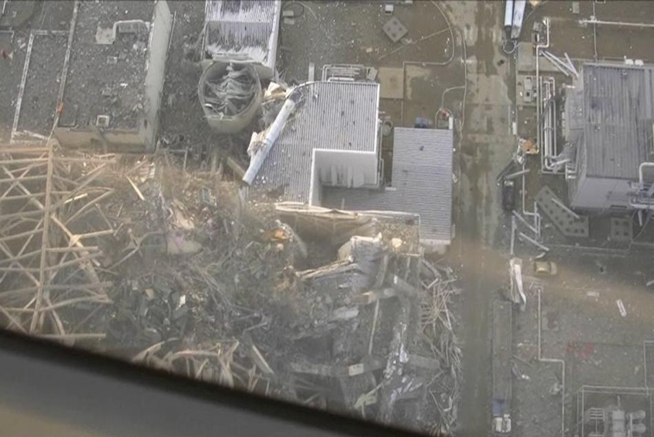 航拍福岛核电站受损情况