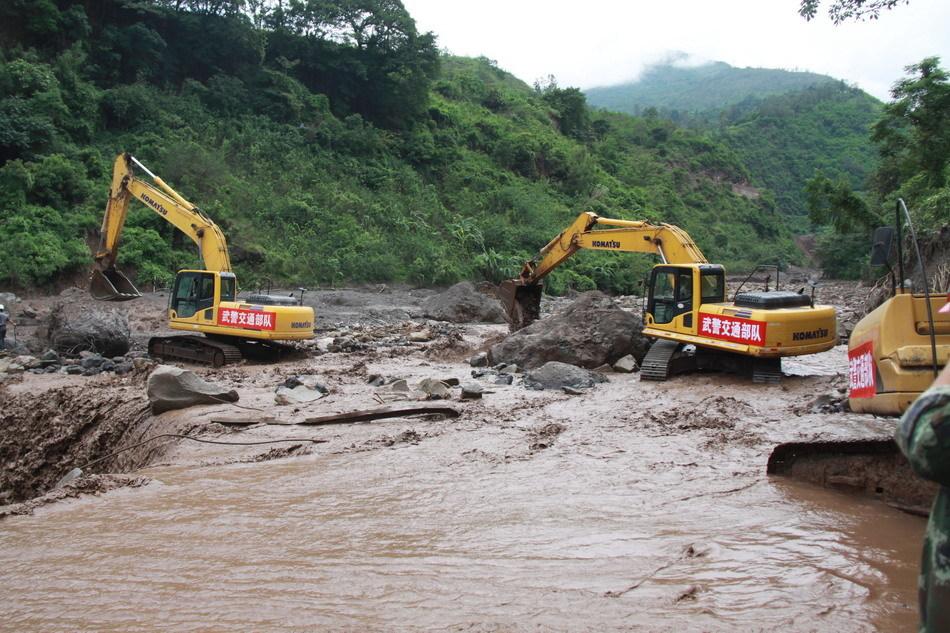 宁南县山洪泥石流救援现场图片