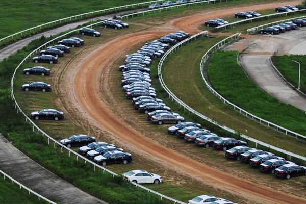 比赛项目的国际赛马场.从2003年建成至今,这座赛马场除举办过一