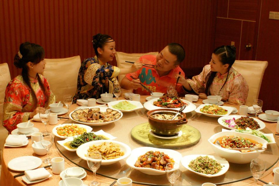 湖南怀化景区国庆节推出 少爷小姐菜