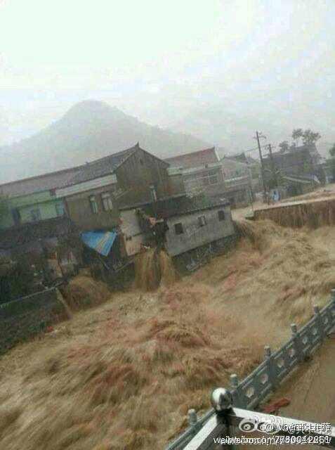 最严重的地方,宁波余姚市遭受了百年一遇的降雨,70%以上城区