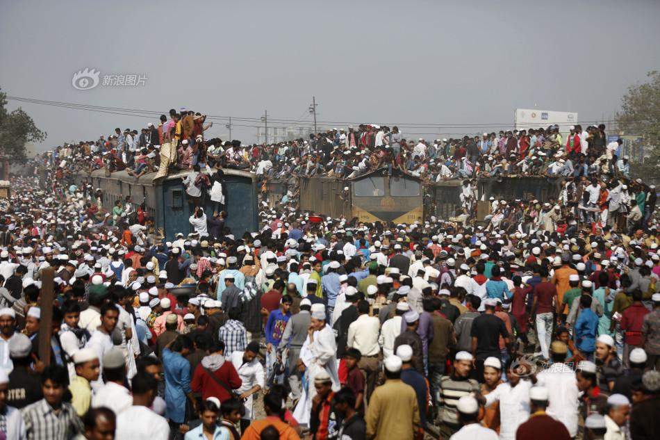 """一样的大规模的人口迁徙,场面之壮观,比起\""""春运\"""",有过之而无"""