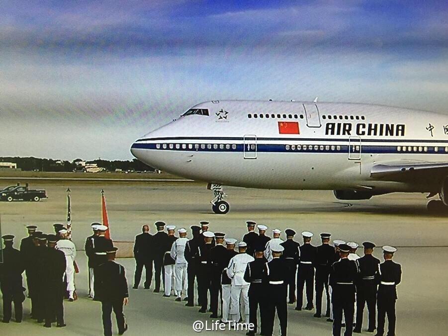 习近平抵达华盛顿 美国副总统到机场迎接