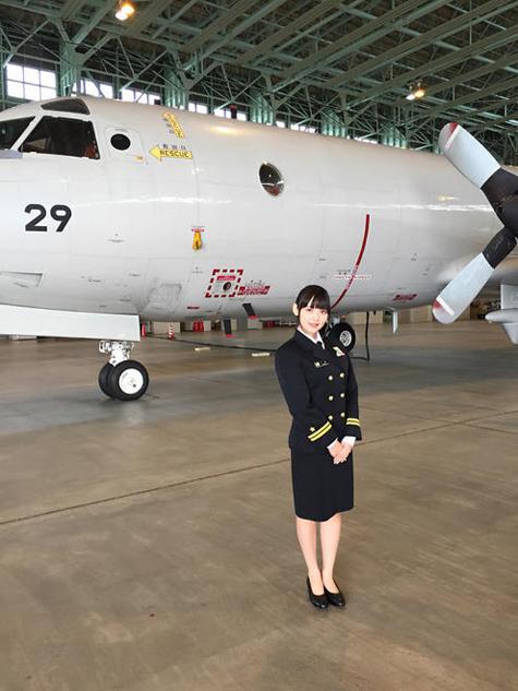 日本美女声优进自卫队基地体验生活