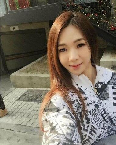 Pretty chinese escort girl is fucking