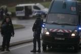 法国警方追捕枪击案嫌疑人