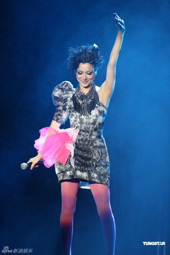 张也唱宁夏恋 曲谱-郑秀文《Love Mi More世界巡回演唱会》12月10号晚在澳门举行终极演