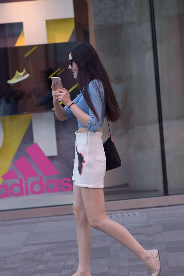 街拍成都街头气质女人图片