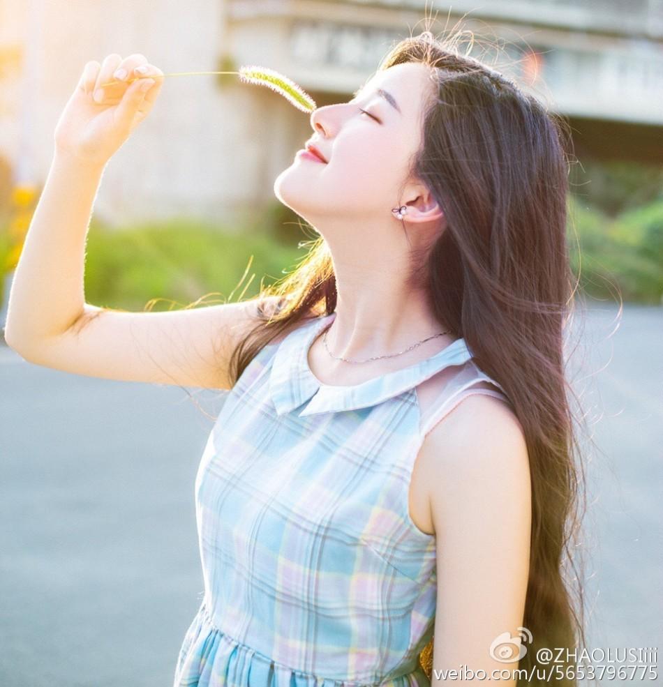 成都最美校服女神,网友称神似韩国女星秀智.来自微博@