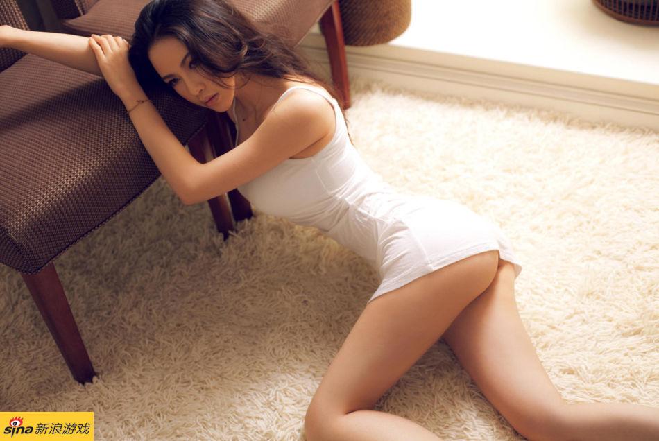 性感美女潘霜霜: 我的性感。。。我做主