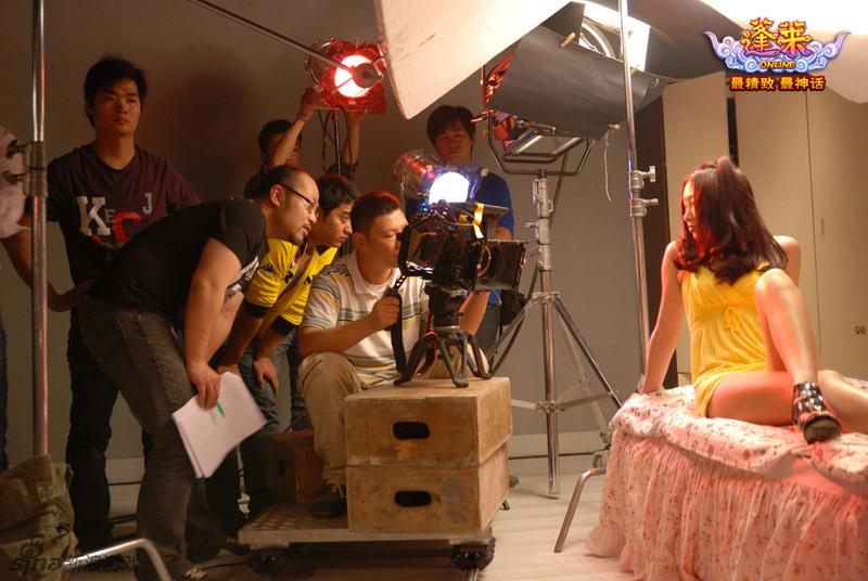 《蓬莱》首部真人广告大片 上演美女肉阵 游