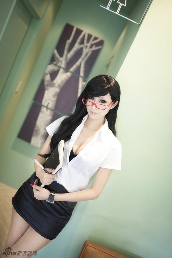 台湾人气coser 千寻 super chihiro 超级索尼子 cosplay写真本为什么
