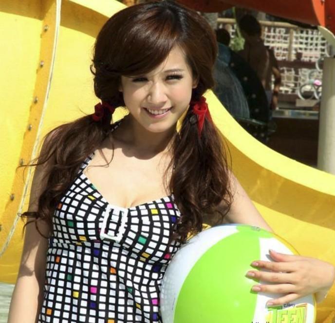 台湾f罩杯美女方志友代言网游