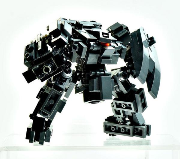 玩家用乐高打造精彩机甲模型