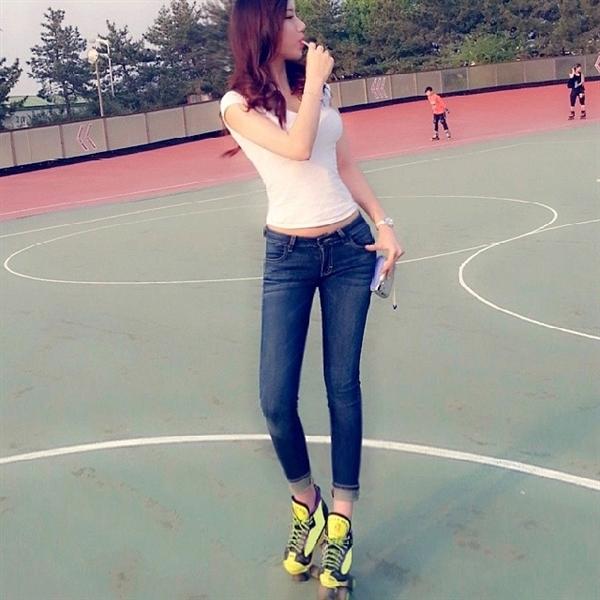 韩国爆红美女体育老师芮呈和