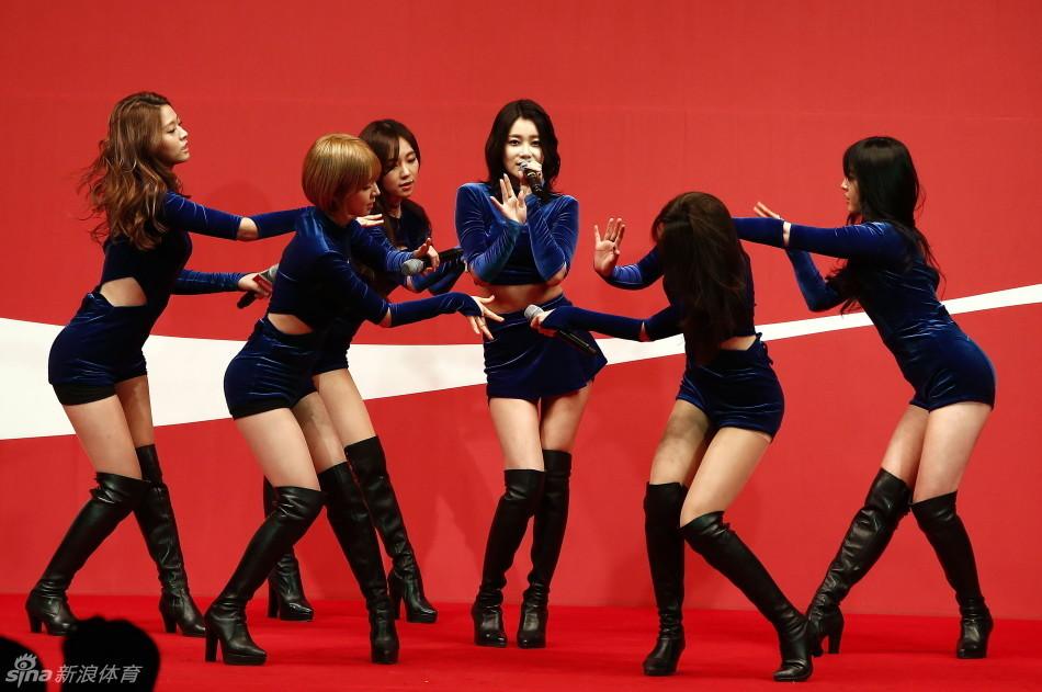 韩美少女AOA代言网游 成员形象植入游戏