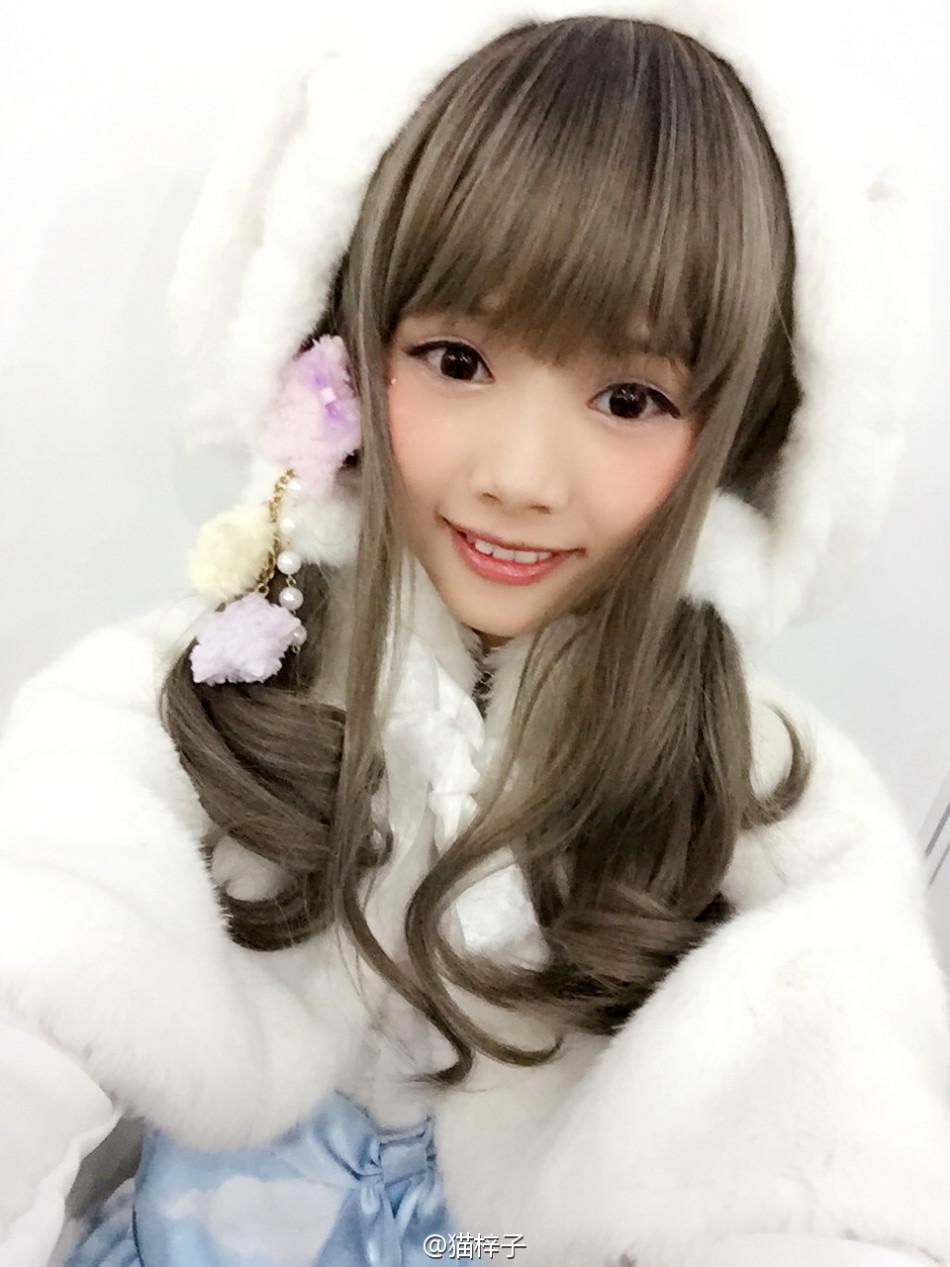 可爱coser猫梓子面容似真人娃娃