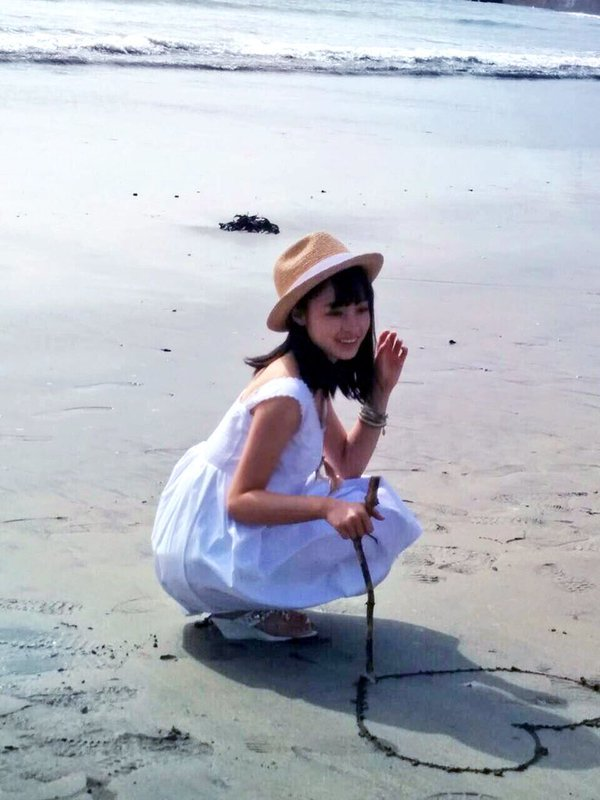千年一遇美少女水手服耍光劍