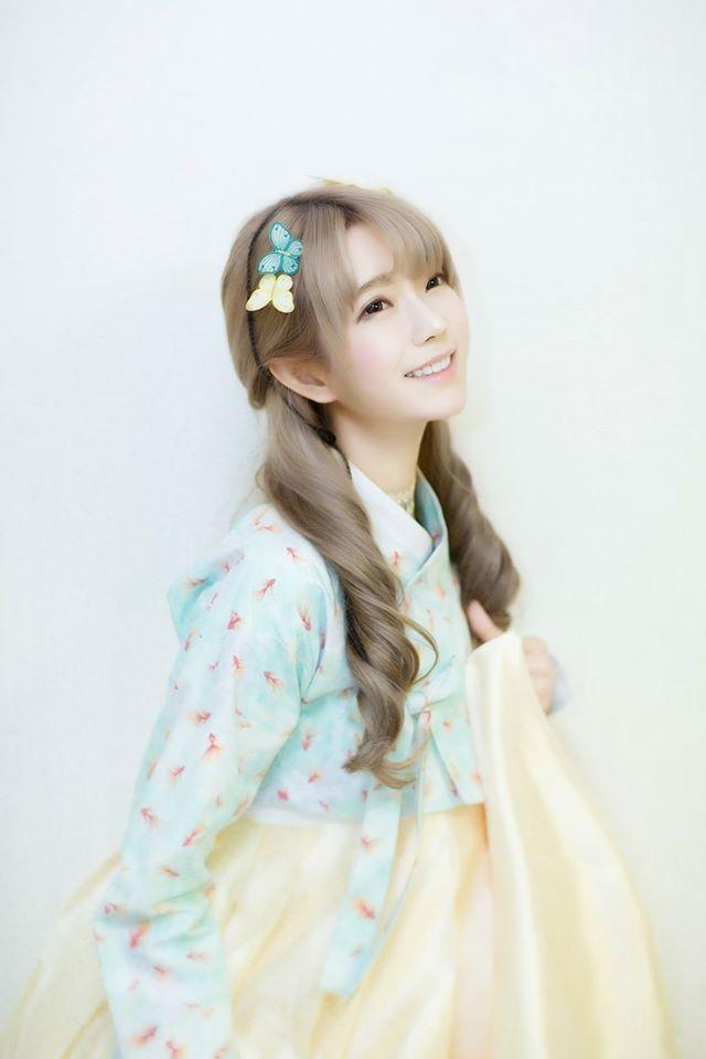 可爱似洋娃娃 韩国第一美女晒照