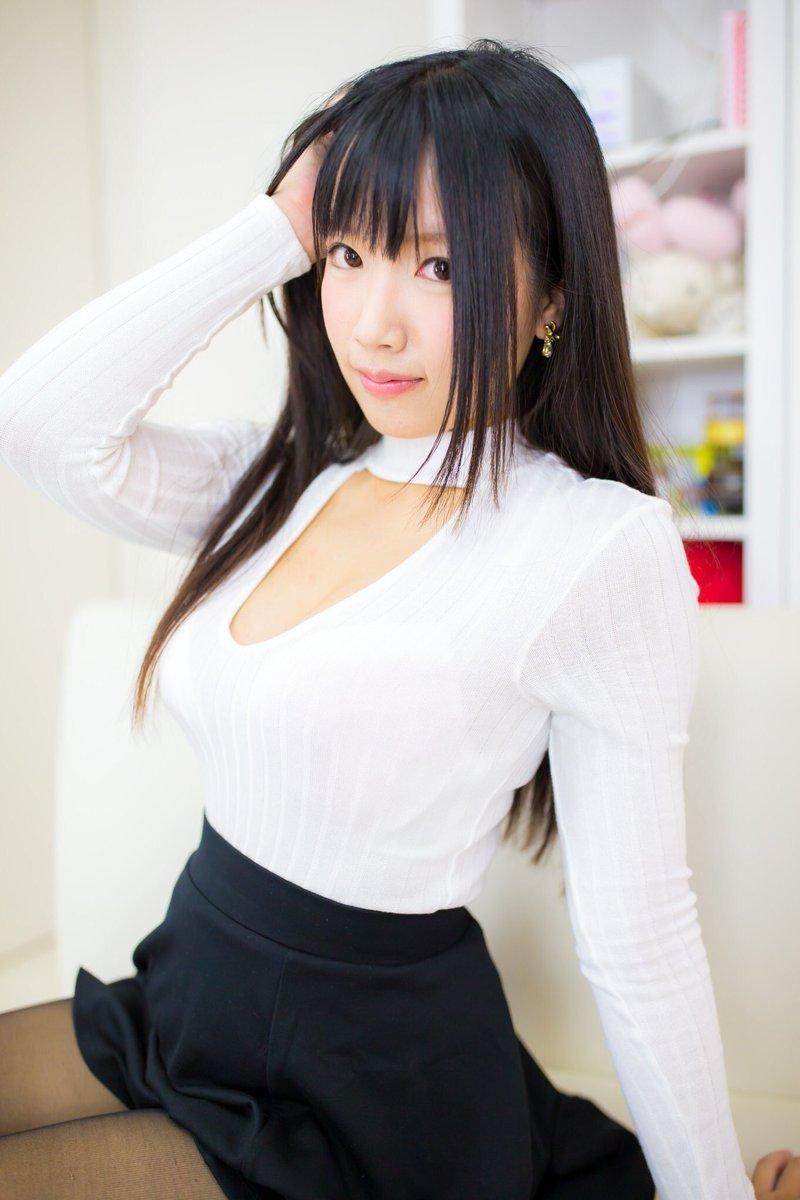 萌妹曝福利照:这样穿大丈夫?
