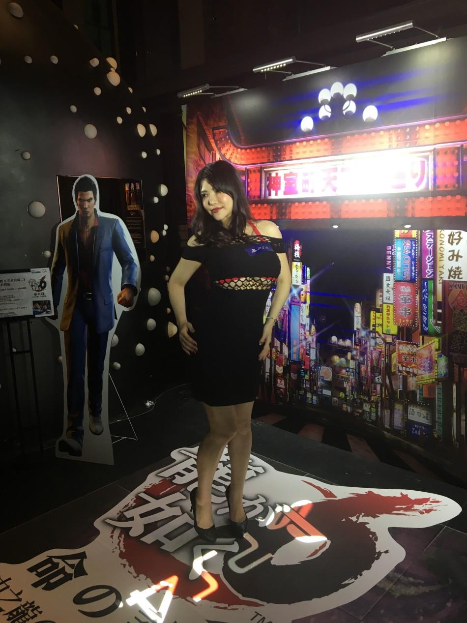 衝田杏梨出席《如龍6》活動 凹凸曲線難掩性感