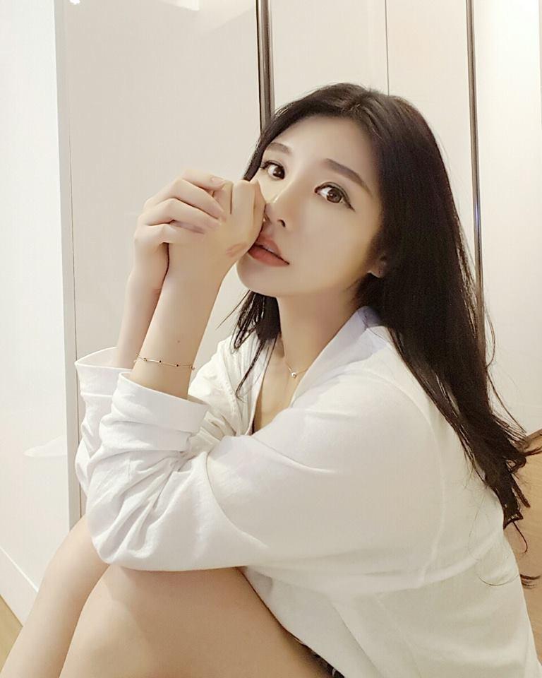 女主播曬新照 「南韓最正妹教師」又來了?