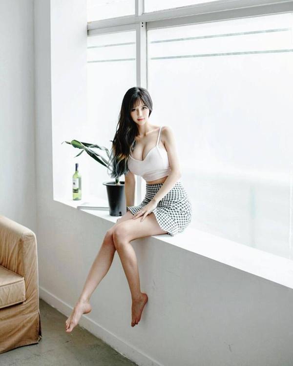 南韓「最強娜美身材」女主播近照 衣服要撐爆了