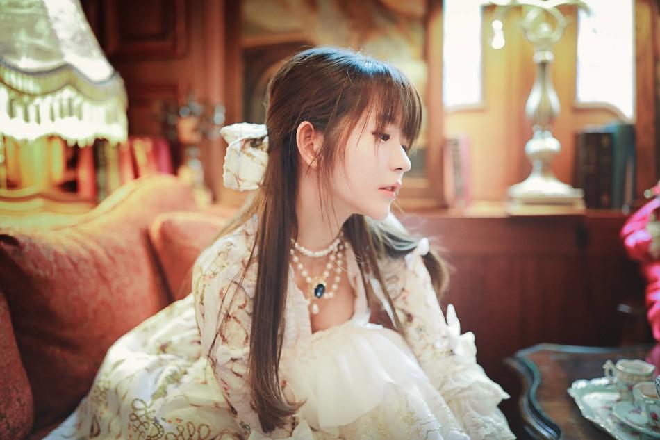 美少女Yurisa展現天籟般歌喉