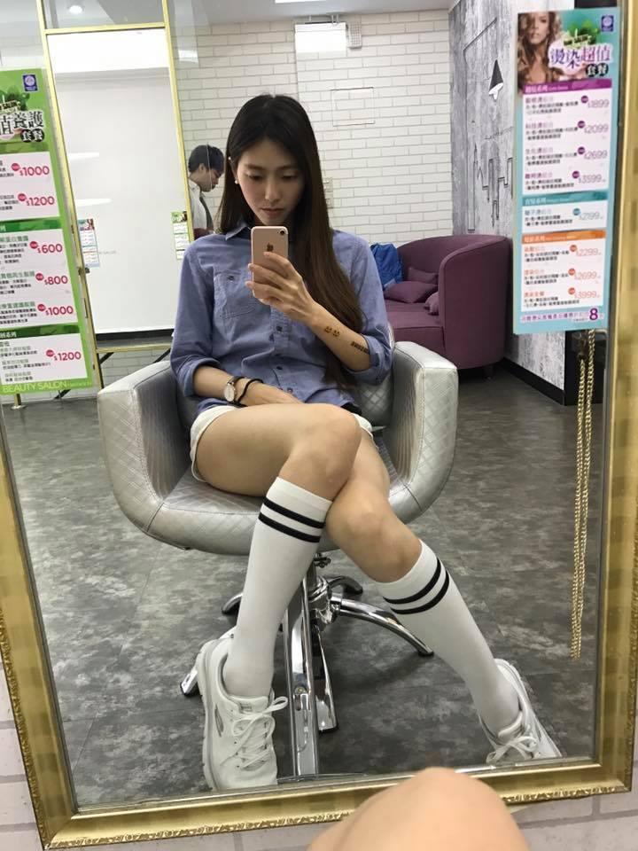 臺灣正妹玩家一言不合就曬腿