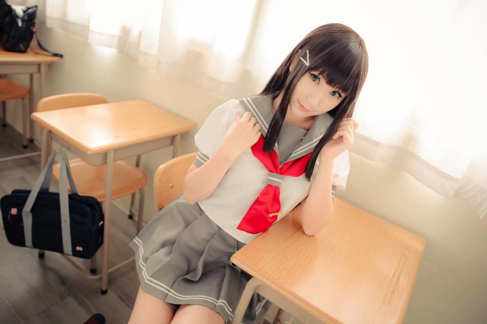 台湾美女玩家cos游戏女主秀嫩白美腿(11)