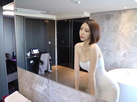 南韓女主播曬身材逆天自拍照