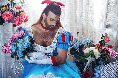 《十萬個冷笑話2》代言人Ladybeard精彩cos