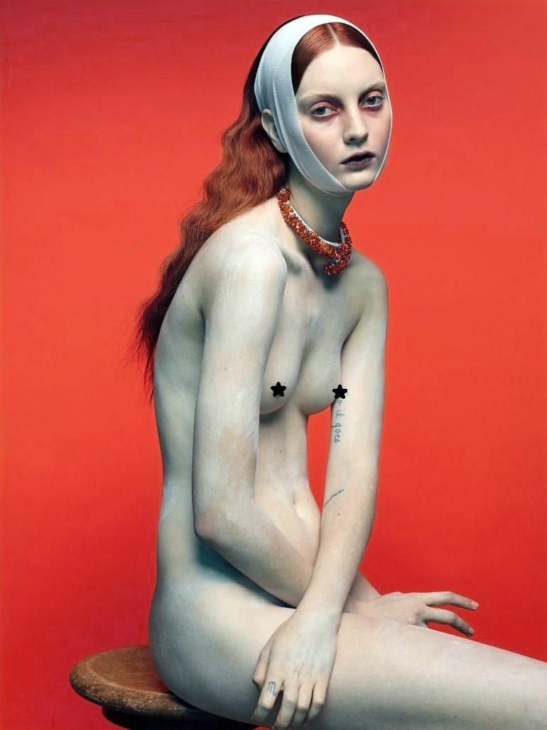【超模全裸再现浓浓复古油画风------安静的艺术之美图片