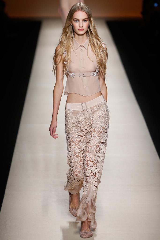 2015米兰时装秀 Alberta Ferretti 阿尔伯特-菲尔蒂春夏时装周图片